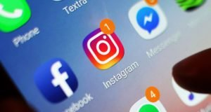 Instagram allows private messages across the web