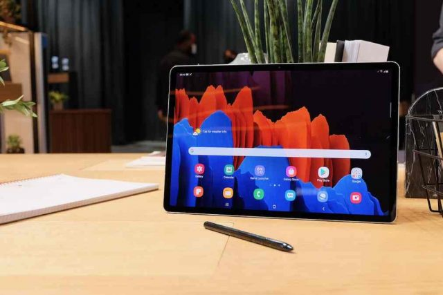 Photo include Galaxy Tab S7 Plus Design and S Pen
