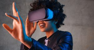 The new Apple VR headset turns your 3D fingers into consoles